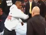 WWE经典时刻:鲜血直流!梅威瑟闪电光速拳打断大秀
